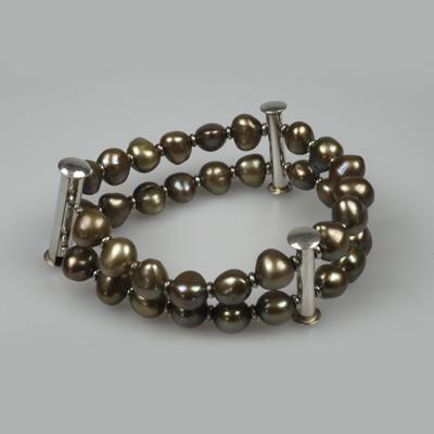 Goudsmid Edelsmid Ylva Roël. Design sieraden, ontwerp laten maken Haarlem. zoetwater parels, zilver Zilveren armband. A061