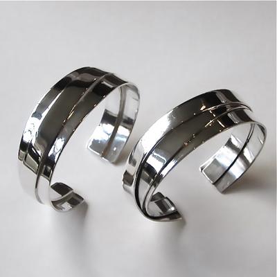 Goudsmid Edelsmid Ylva Roël. Design sieraden, ontwerp laten maken Haarlem. zilver Zilveren armband. A153