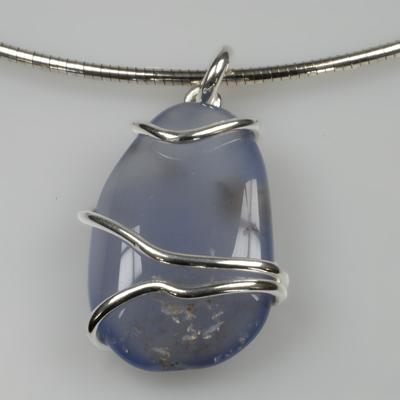 Goudsmid Edelsmid Ylva Roël. Design sieraden, ontwerp laten maken Haarlem. chalcedon, zilver Zilveren collier. H138