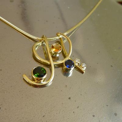 Goudsmid Edelsmid Ylva Roël. Design sieraden, ontwerp laten maken Haarlem.    collier. H142