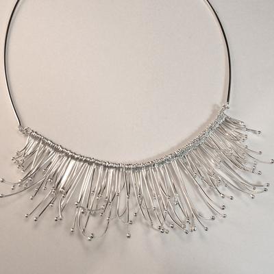 Goudsmid Edelsmid Ylva Roël. Design sieraden, ontwerp laten maken Haarlem.  zilver Zilveren collier. H168
