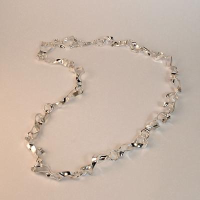 Goudsmid Edelsmid Ylva Roël. Design sieraden, ontwerp laten maken Haarlem. zilver Zilveren collier. H169