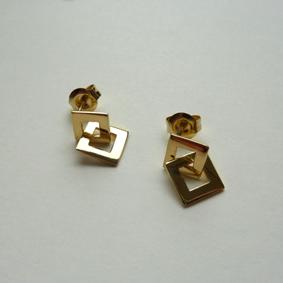 Goudsmid Edelsmid Ylva Roël. Design sieraden, ontwerp laten maken Haarlem. goud, 18kt Gouden oorbellen. O00