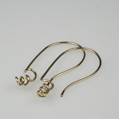 Goudsmid Edelsmid Ylva Roël. Design sieraden, ontwerp laten maken Haarlem. goud 14kt Gouden oorbellen. O039