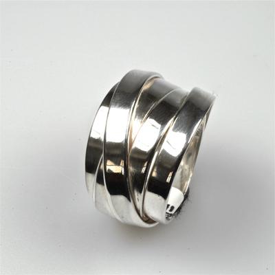 Goudsmid Edelsmid Ylva Roël. Design sieraden, ontwerp laten maken Haarlem. zilver Zilveren ring. R016