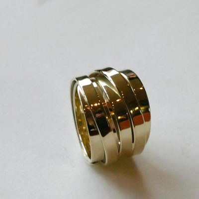 Goudsmid Edelsmid Ylva Roël. Design sieraden, ontwerp laten maken Haarlem. goud 14kt Gouden ring. R069