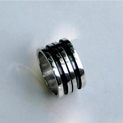 Goudsmid Edelsmid Ylva Roël. Design sieraden, ontwerp laten maken Haarlem. zilver Zilveren ring. R072