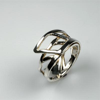 Goudsmid Edelsmid Ylva Roël. Design sieraden, ontwerp laten maken Haarlem. 'organist'. zilver Zilveren ring. R125