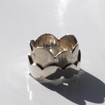 Goudsmid Edelsmid Ylva Roël. Design sieraden, ontwerp laten maken Haarlem. 'piano'. zilver Zilveren ring. R128
