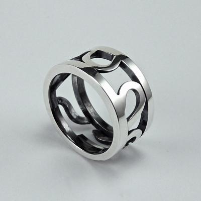 Goudsmid Edelsmid Ylva Roël. Design sieraden, ontwerp laten maken Haarlem. zilver Zilveren ring. R145