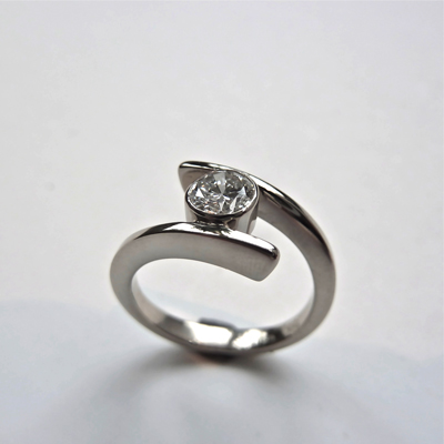 Goudsmid Edelsmid Ylva Roël. Design sieraden, ontwerp laten maken Haarlem.   ring. R152