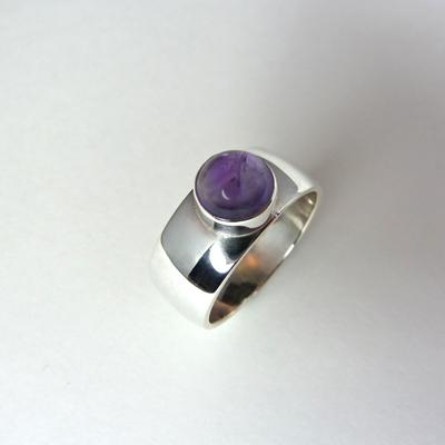 Goudsmid Edelsmid Ylva Roël. Design sieraden, ontwerp laten maken Haarlem. zilver, amethyst Zilveren ring. R173
