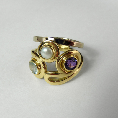 Goudsmid Edelsmid Ylva Roël. Design sieraden, ontwerp laten maken Haarlem.   ring. T19