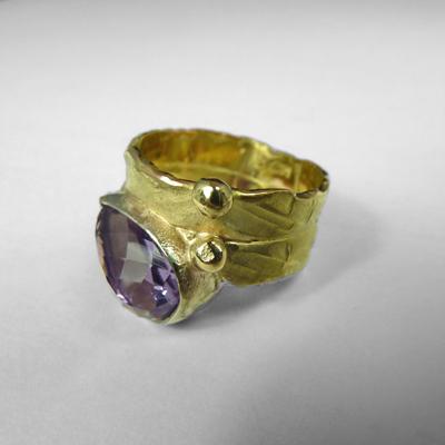 Goudsmid Edelsmid Ylva Roël. Design sieraden, ontwerp laten maken Haarlem.   ring. T20
