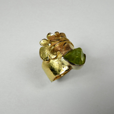 Goudsmid Edelsmid Ylva Roël. Design sieraden, ontwerp laten maken Haarlem.   ring. T23