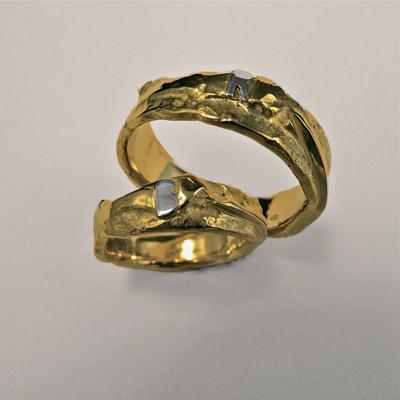 Goudsmid Edelsmid Ylva Roël. Design sieraden, ontwerp laten maken Haarlem.    trouwringen. R049