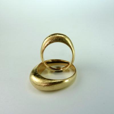 Goudsmid Edelsmid Ylva Roël. Design sieraden, ontwerp laten maken Haarlem.    trouwringen. R090