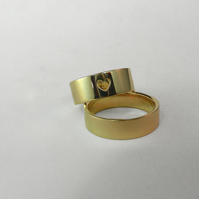 Goudsmid Edelsmid Ylva Roël. Design sieraden, ontwerp laten maken Haarlem.    trouwringen. R095