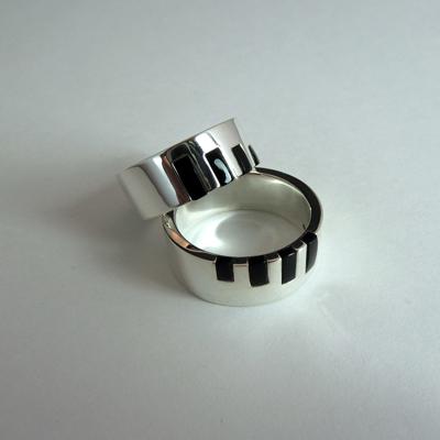 Goudsmid Edelsmid Ylva Roël. Design sieraden, ontwerp laten maken Haarlem.    trouwringen. R096