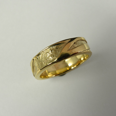 Goudsmid Edelsmid Ylva Roël. Design sieraden, ontwerp laten maken Haarlem.    trouwringen. R097