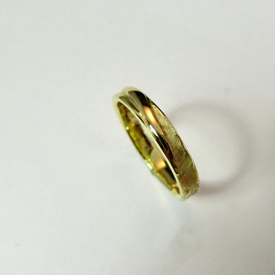 Goudsmid Edelsmid Ylva Roël. Design sieraden, ontwerp laten maken Haarlem.   trouwringen. R199