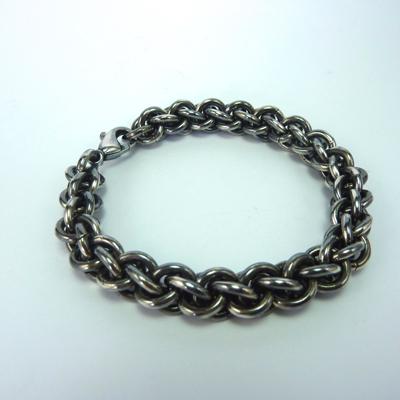 Goudsmid Edelsmid Ylva Roël. Design sieraden, ontwerp laten maken Haarlem. armband, zilver geoxideerd, 'koordketting' Ø 10mm Zilveren viking sieraden. A162