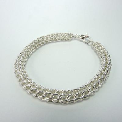 Goudsmid Edelsmid Ylva Roël. Design sieraden, ontwerp laten maken Haarlem. armband, zilver, 'visgraat' Ø 7mm Zilveren viking sieraden. A167